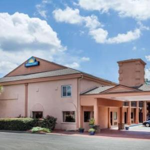 Days Inn by Wyndham Columbia Columbia