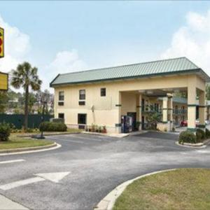 Super 8 by Wyndham Columbia Columbia